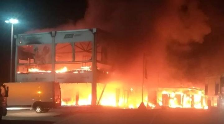 Disastro per la MotoE, incendio a Jerez distrugge tutte le moto