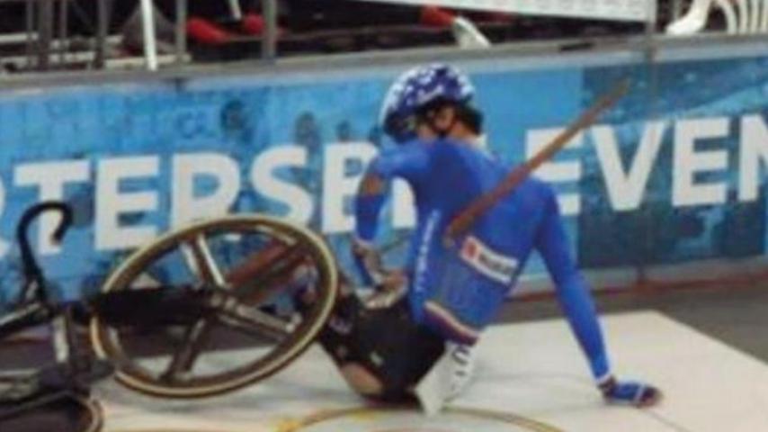 Paura agli Europei juniores: ciclista 17enne trafitto da scheggia al polmone