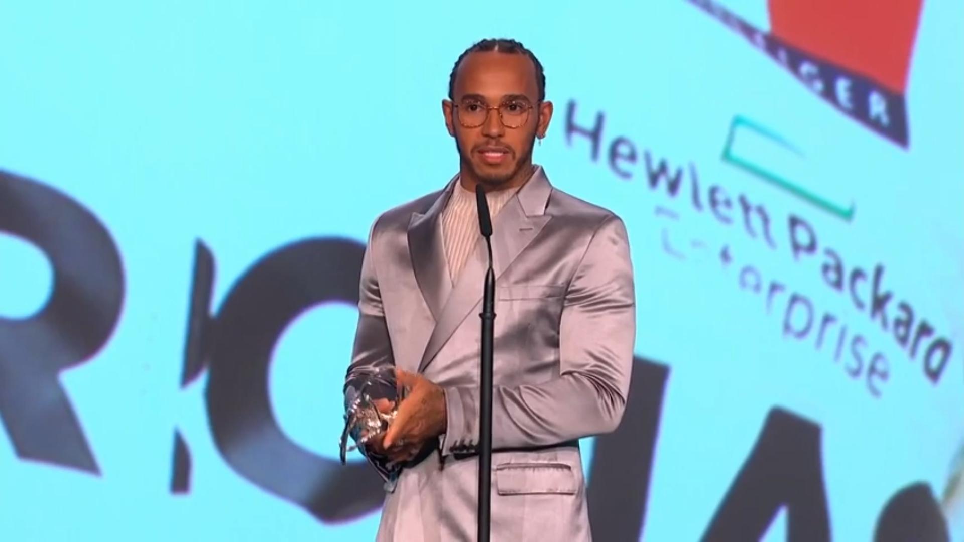 Hamilton alla premiazione Laureus