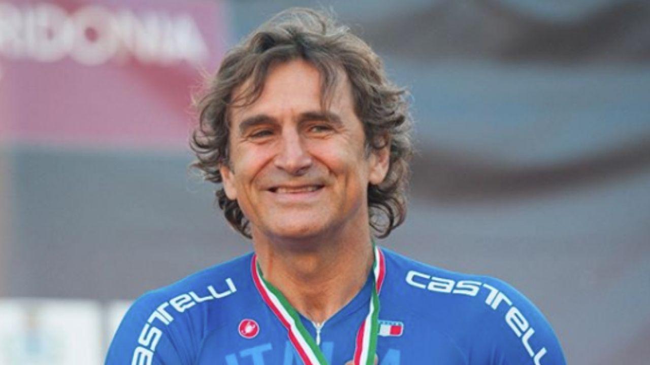 alex zanardi primo piano podio paralimpico